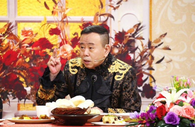 """潘长江直播带货遭遇网暴,老艺术家谈钱就是""""晚节不保""""?"""